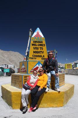 Die Rückfahrt nach Leh führt über einen weiteren spektakulären Pass