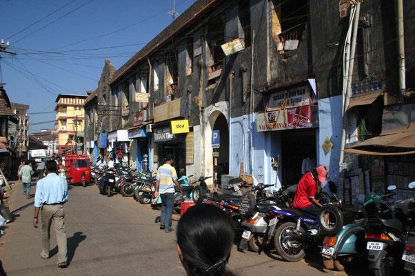 Ein Ausflug führt uns in den Alltag der Provinzstadt Margao ...
