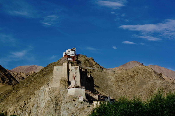 Eines der verlockenden ersten Ziele: Die Festung und das Bergkloster von Leh