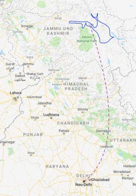 Wir fliegen von New Delhi nach Ladakh und erkunden dann die Region in drei mehrtägigen Touren