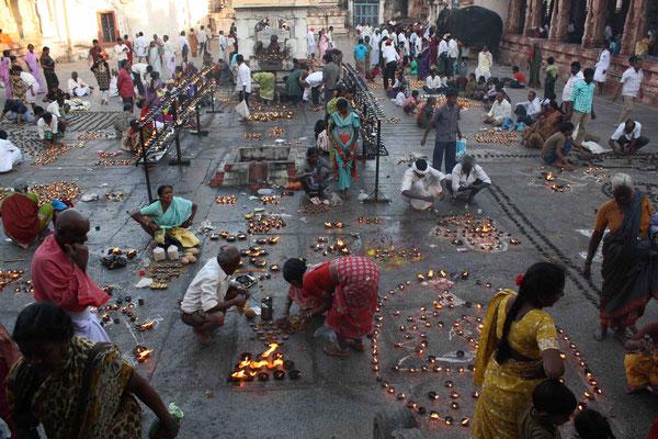 Und wieder mit etwas Glück erleben wir auch hier ein Tempelfest