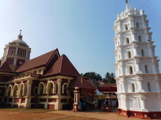 Spannenden Kontrast dazu bietet der hinduistische Tempelbezirk von Ponda
