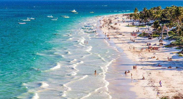 Der Strand von Tulum ist berühmt ...