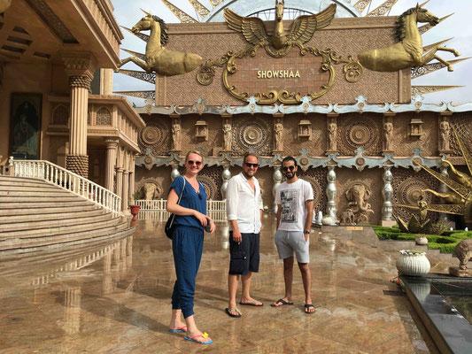 Die Rückreise führt wieder über New Delhi, wo wir eine Bollywood-Oper besuchen können ...