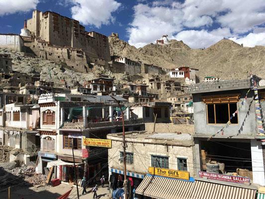 Dreh- und Angelpunkt in Ladakh ist die Hauptstadt Leh – und die liegt auf 3500 Metern Höhe!