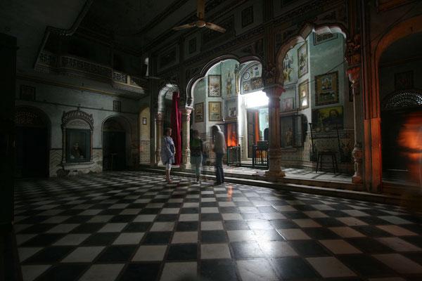 Auch die Tempel in Rishikesh atmen intensive Atmosphäre