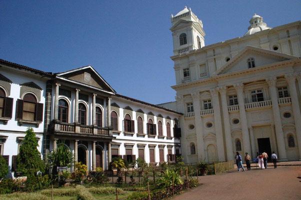 Ein weiteres Ziel ist Old Goa die historische Hauptstadt mit den Monumenten portugiesischer Kolonialmacht