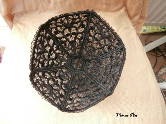 Schale Skull von Urban Threads, im fotogenen schwarz.