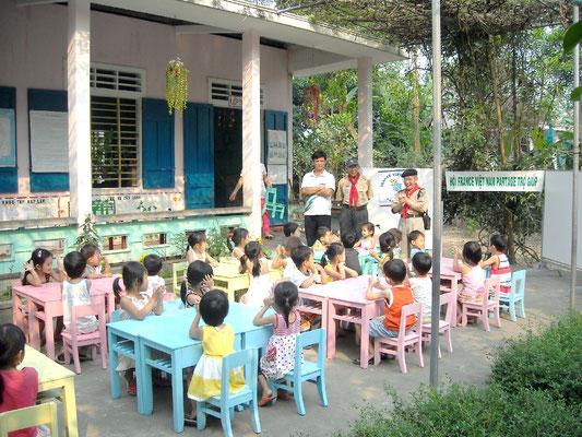 Financement par France Vietnam Partage de matériel pédagogique pour 1 école du district d'Hué