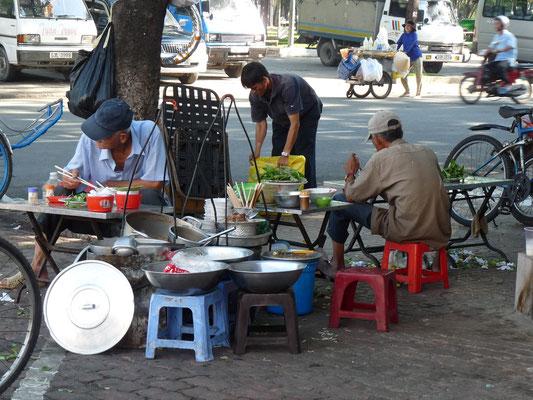 Restaurant de rue à Hué