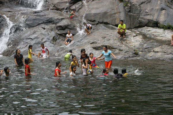 Sortie détente pour les filleuls uniques vacances des enfants, merci France Vietnam Partage