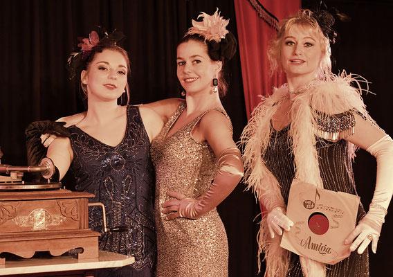 Flapper Girls: Yasmin Gürel, Gabriela Rufino und Kristine Anderlik, Foto: James Lyall