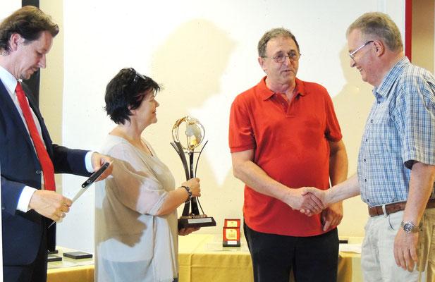 Pokal für die beste Fotogruppe - wieder Steyr