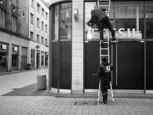 20.01.2021  FOSSIL gibt seinen Laden in der Georgstraße auf