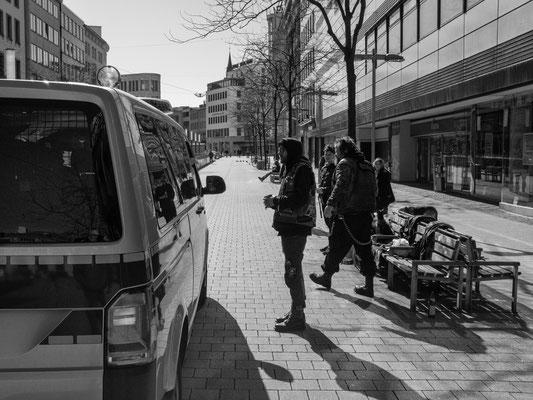 23. März - Die Punker müssen ihren Platz in der Bahnhofstraße verlassen