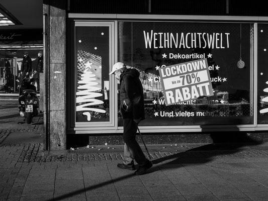 16. Dezember - >>Shutdown<< -  alle nicht lebensnotwendigen Geschäfte sind geschlossen