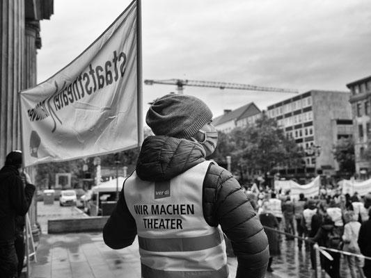 21. Oktober - >>Ver.di<< Demonstration auf dem Opernplatz