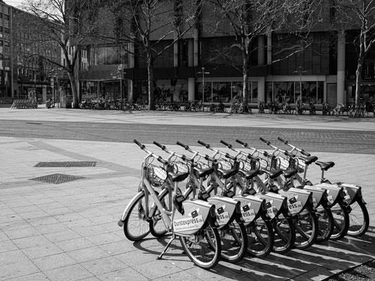 08. April - Ernst-August-Platz