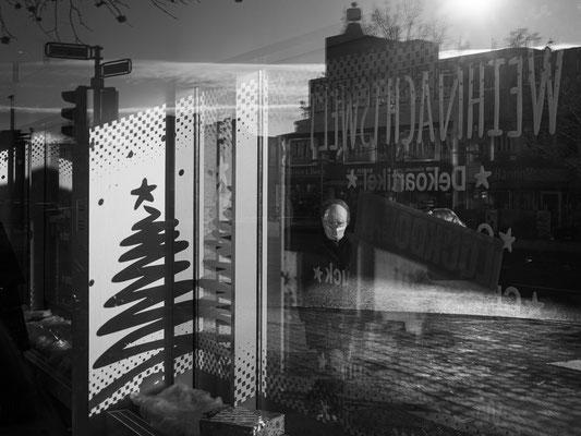 16. Dezember - Schaufenster in der Karmarschstraße