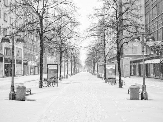 7. Februar - Georgstraße, ein eisiger Schneesturm fegt durch die Stadt