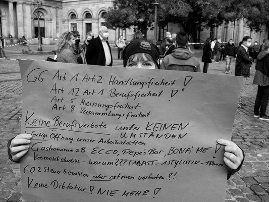 2. November - Opernplatz