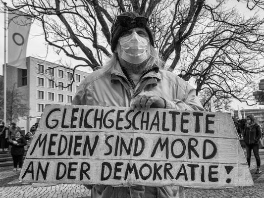 01.05.2021 Raschplatz - Demo der >>Querdenker<<