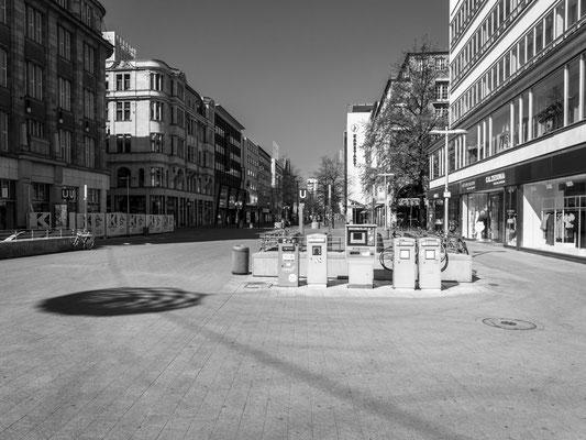12. April - Georgstraße