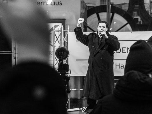 21. November - Demo der >>Querdenker<<  - NVA a.D. Olaf Kastner fordert die Abschaffung des vorhandenen Systems