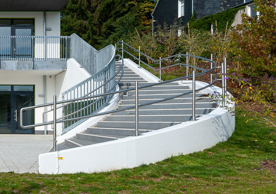Kita Hatzfelder Straße Wuppertal, die große, geschwungene Treppe