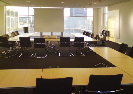 Neubau Zentralverwaltung NKT GmbH & Co. KG - Konferenzraum