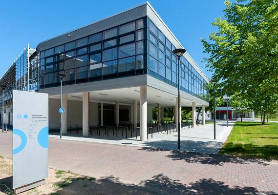 Erweiterung Hochschule Bonn-Rhein-Sieg Standort Rheinbach - Bibliothek mit Fahrradabstellplätzen