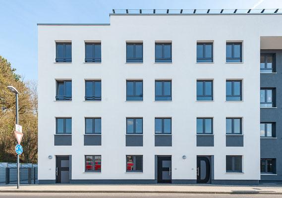 Neubau für gefördertes Wohnen in Kerpen-Horrem, Maisonettewohnungen Eingänge F, E, D