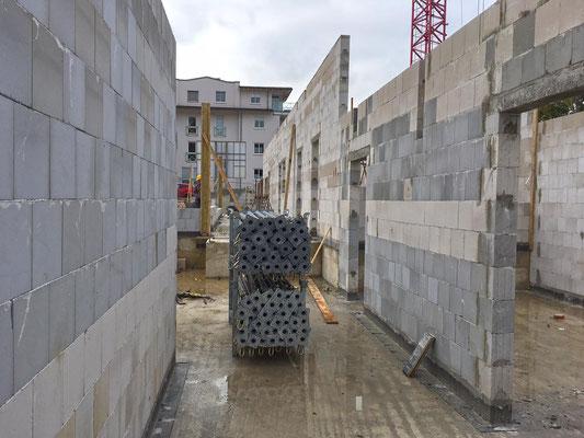 Neubau Kindertagesstätte Schulstraße Wülfrath, bald wird die Decke des Erdgeschosses in Angriff genommen