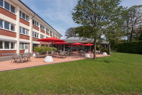 Modernisierung Betriebsrestaurant Siegwerk Druckfarben AG & Co. KGaA, Terrasse