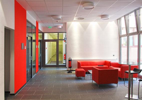 Eine repräsente Verbindung, Oerlikon Textile GmbH & Co. KG, Remscheid, Foyer