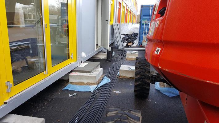 Dreikönigsgymnasium Interimscontainer, Containerreihe im Bau
