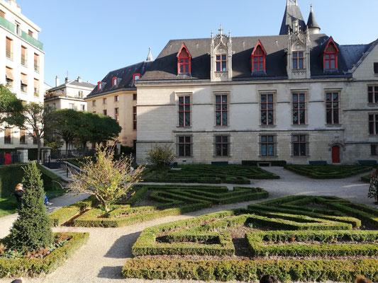 L'Hôtel de Sens côté jardin