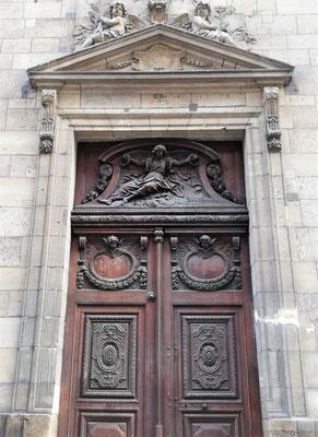 Portail église rue des Bernardins