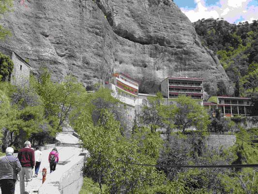 Das Felsenkloster Mega Spileon bei Kalavrita