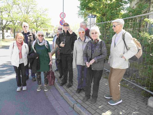 Sammlung der Teilnehmer am Bahnhof Werder