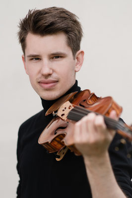 Simon Petek, Klavier