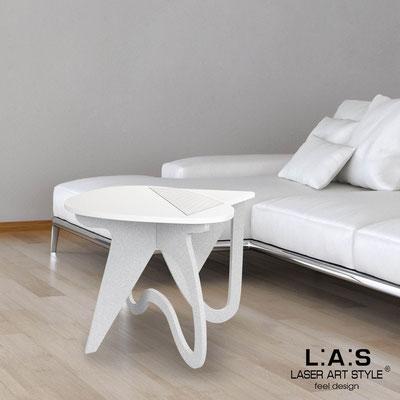 Complementi d'arredo </br> Codice: SI-373 | Misura: 60x60 h50 cm </br> Colore: bianco-argento-incisione legno