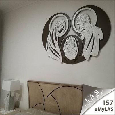 A casa di Gianna Emilia | Italia </br> Codice: SI-266-SF | Misura: 120x90 cm </br> Colore: grigio marrone-bianco-incisione legno