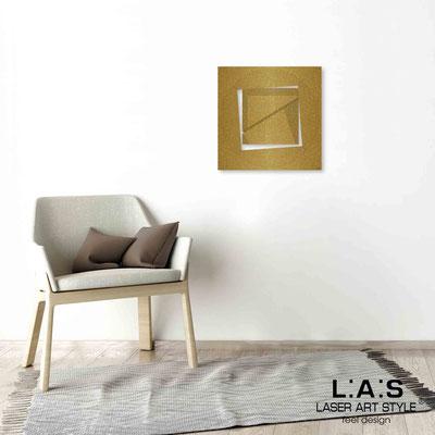 Quarantotto </br>  Codice: Q-022 | Misura: 48x48 cm </br> Colore: oro-incisione legno