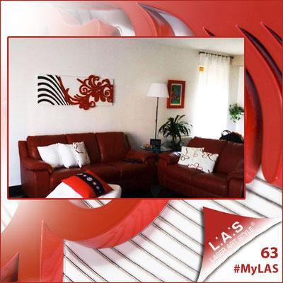 A casa di Caterina ed Enzo <br> Abitazione privata   Italia </br> Codice: SI-134   Misura: 150x60 cm <br> Colore: bianco - nero - applicazione rosso