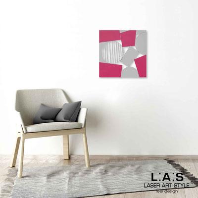 Quarantotto </br>  Codice: Q-016 | Misura: 48x48 cm </br> Colore: decoro grigio-rosa-incisione legno