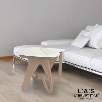 Complementi d'arredo </br> Codice: SI-373 | Misura: 60x60 h50 cm </br> Colore: panna-nocciola-incisione legno