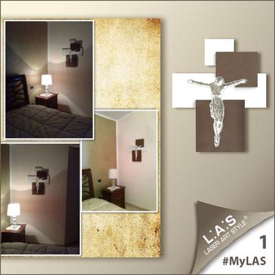 A casa di Carmela <br> Abitazione privata   Italia </br> Codice: CR19   Misura: 54x65 cm </br> Colore: bianco laccato - inserti bronzo