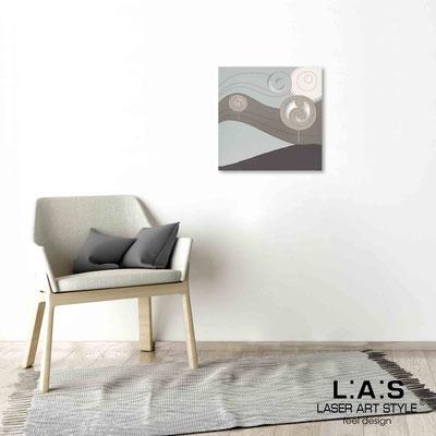 Quarantotto </br>  Codice: Q-013 | Misura: 48x48 cm </br> Colore: decoro grigio-incisione legno