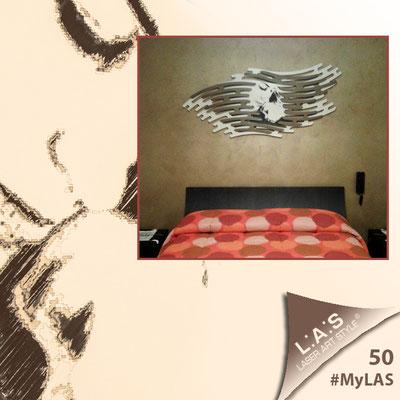 A casa di Francesca e Angelo <br> Abitazione privata   Italia </br> Codice: SI-160   Misura: 165x73 cm </br> Colore: panna - applicazione bronzo